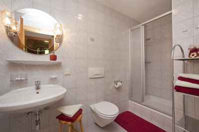 Apartment, separate toilet and shower/bathtub, terrace