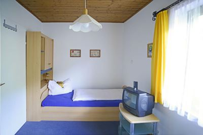 Single room, shower, toilet, 1 bed room