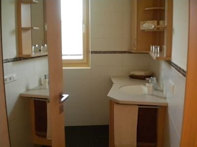Family room, bath, toilet, 2 bed rooms