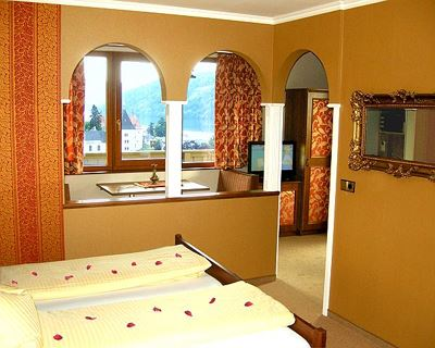 Junior suite, shower, toilet, deluxe