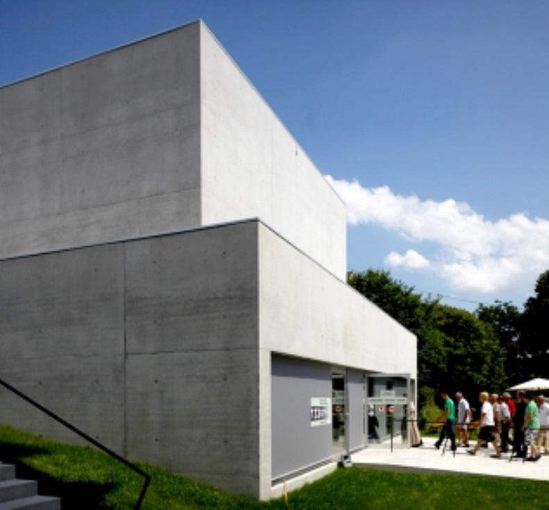Ferienhaus Am See Haus Nummer 1 Leipziger Neuseenland: Europäisches Toleranzzentrum