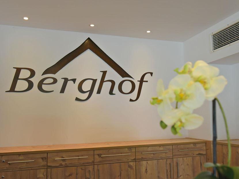 Hotel berghof familie dertnig millstatt am see - Wandbild familie ...