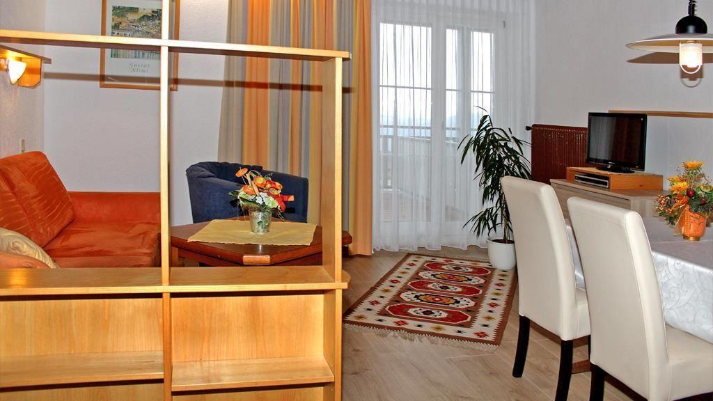 karolinenhof millstatt. Black Bedroom Furniture Sets. Home Design Ideas