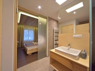 Family room, shower or bath, toilet, modern conveniences
