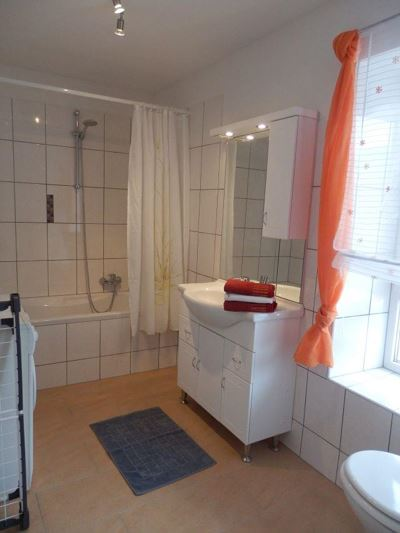 Apartment, bath, toilet, 3 bed rooms
