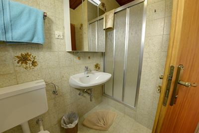 Double room, shower, toilet, terrace