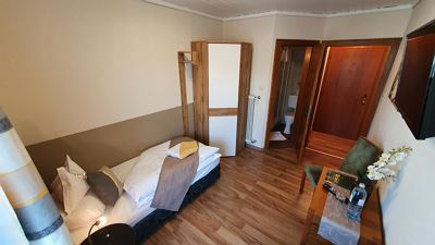 Single room, shower, toilet, balcony