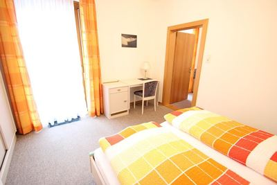 Double room, shower, toilet, 2 bed rooms