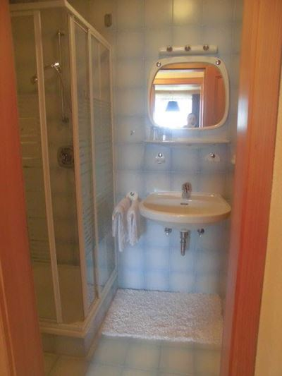 Double room, shower, toilet, south