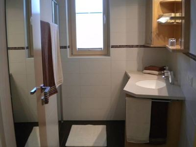 Double room, shower, toilet, quiet