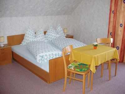 Double room, shower, toilet, 1 bed room