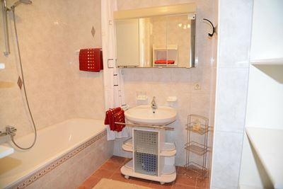 Apartment, shower and bath, toilet, balcony